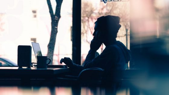 Online Dating Red Flags That You Should Watch Out For